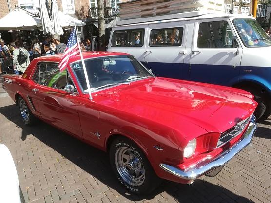 Amerikaanse oldtimer op Oldtimerdag Middelburg